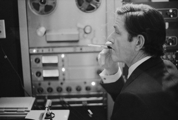 john-cage-in-an-electronic-studio